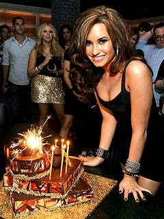 Demi Lovato Daily on Demi Lovato Turned 20 Year Old Today  August 20